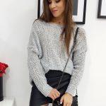 Svetlo-sivý dámsky sveter BONNIE v oversize štýle (my0614)
